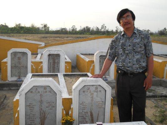 Image result for mộ nhất linh ở Hội An